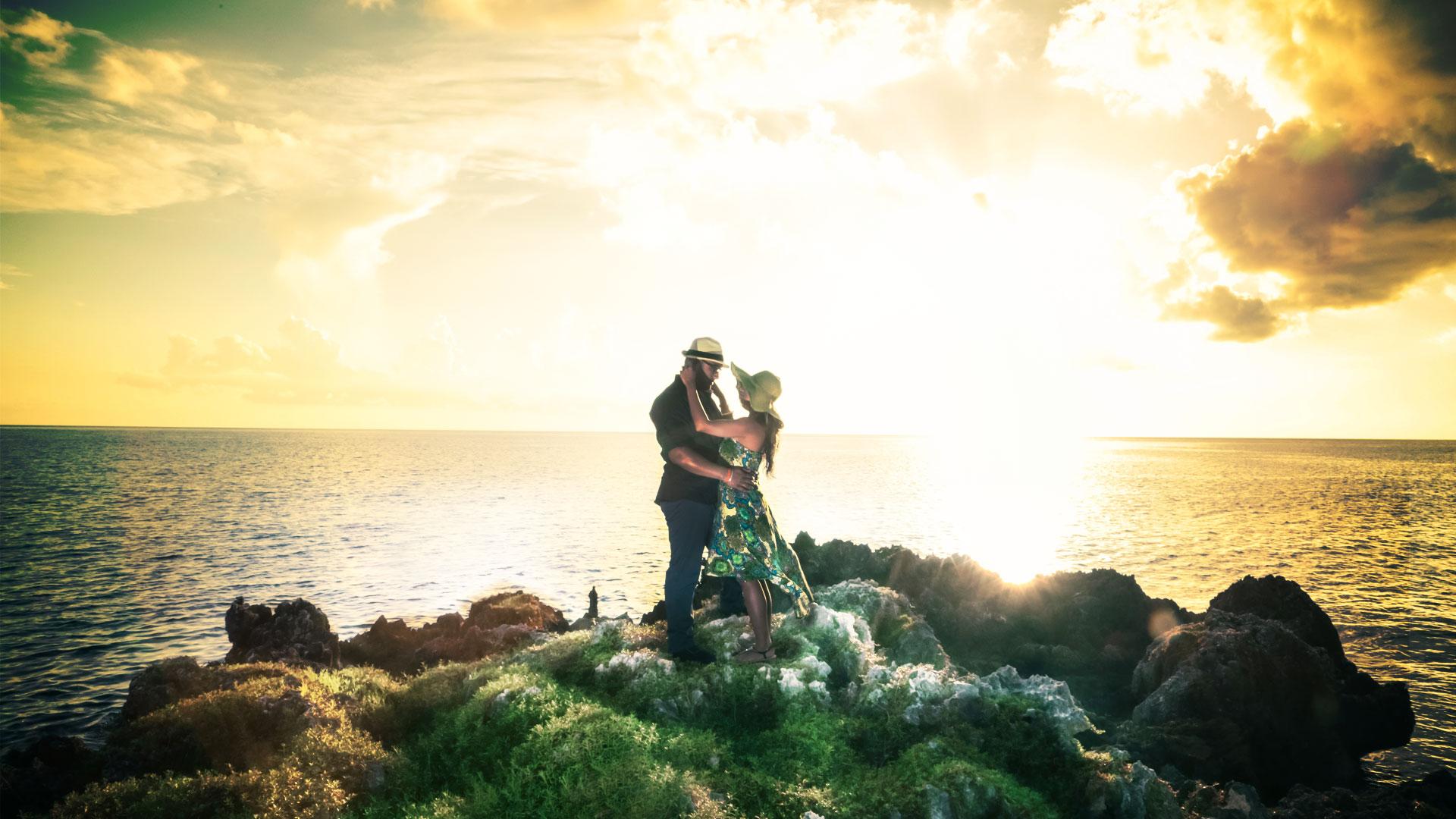 epic_sky_pictures_eshoot_island_reef_sunset_vancouver_toronto_los_angeles_bride_groom_wedding_photos_creative_sundown_romantic_1920x1080