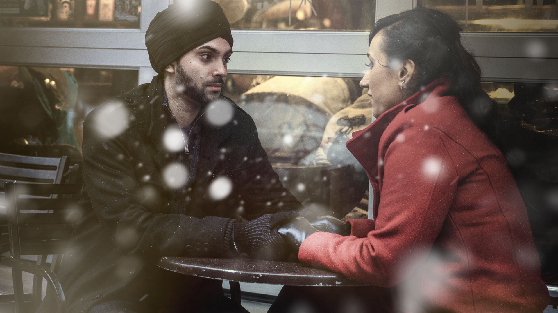 epicskypictures_falling_love_shoot_photography_wedding_photoshoot_fiance_holding_hands_coffee_shop_winter_love_couples_this_is_epic_ontario_site
