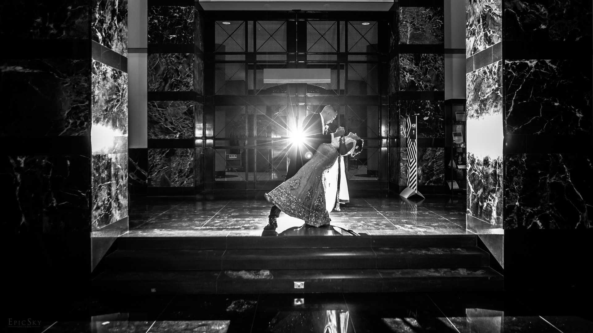epic_sky_pictures_love_romance_photoshoot_wedding_day_photography_downtown_mississauga_blackandwhite_canada_bride_groom_wedding_epicskypictures_site