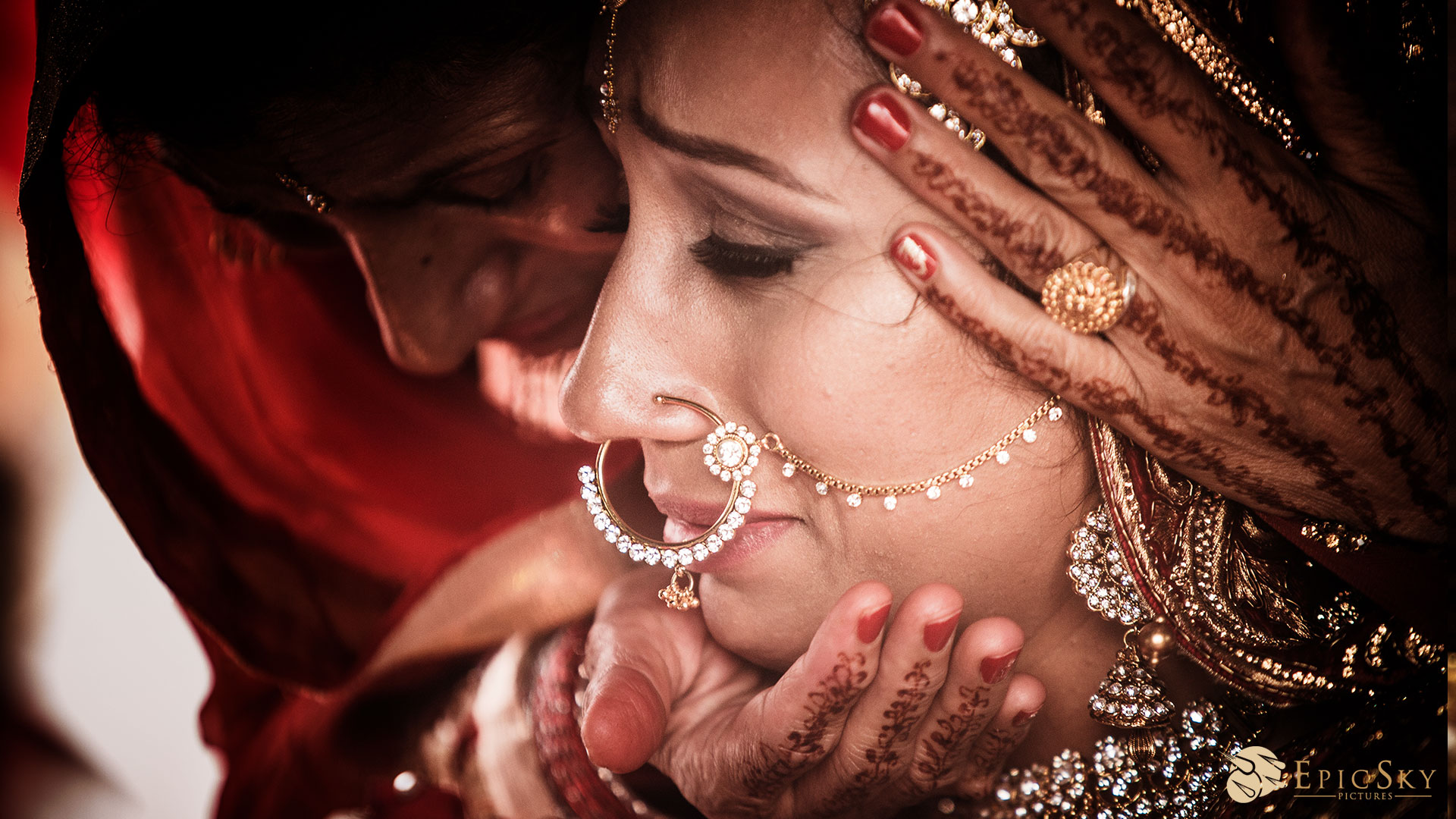epic_sky_pictures_bridal_bangles_photography_accessories_wedding_weddingday_details_crying_sikh_doli_candid_wedding_newlife_farewell_departure